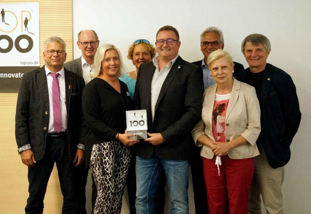 Gruppenfoto  Unternehmensempfang TOP 100, Vertreter aus Wirtschaft & Politik