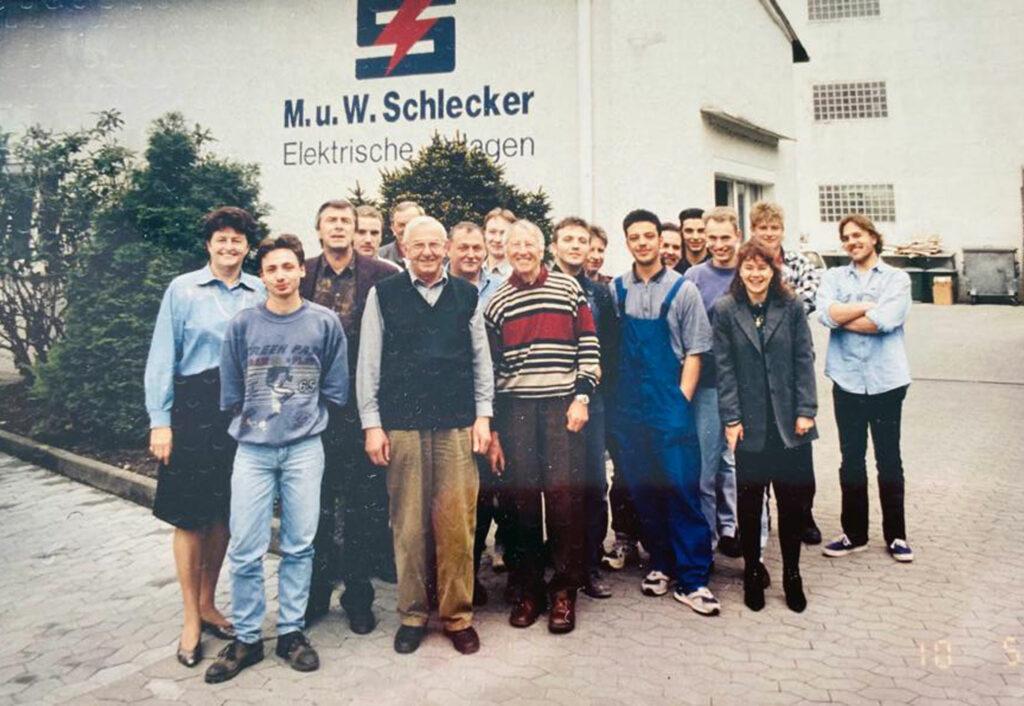elegschaft zum 70-jährigen Jubiläum von M. u. W. Schlecker Elektrische Anlagen GmbH